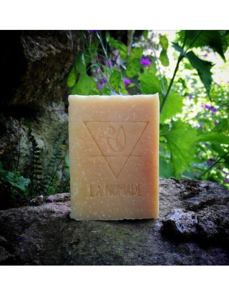 """Savon artisanal """"le Suave"""" au miel et lait d'avoine fabriqué en France avec Amour par La Nomade"""