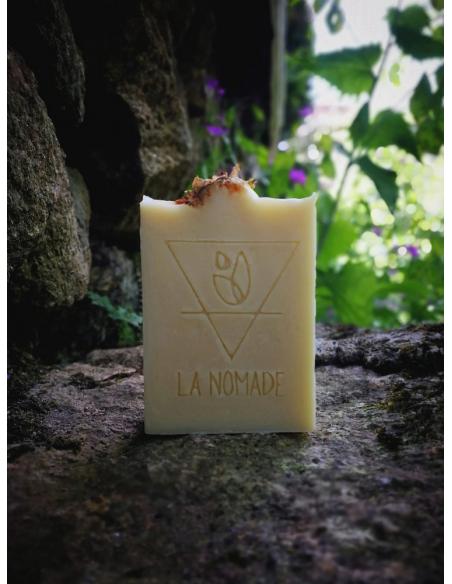 """Savon artisanal """"l'ancestral"""" au Chanvre, Patchouli, Ylang-Ylang & Bois de Hô fabriqué en France avec Amour par La Nomade"""