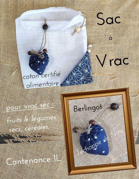 Sac berlingot repliable motifs petites étoiles blanches fond bleu marine pour courses de vrac fin par l'échoppe de Nine