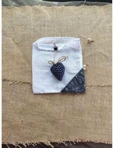 Sac berlingot repliable style rétro bleu marine à pois blanc pour courses de vrac fin par l'échoppe de Nine