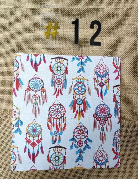 Tissu motifs attrapes rêves fond blanc pour Pochette personnalisable par l'échoppe de Nine