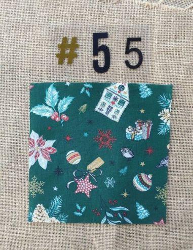 Tissu motifs de Noël kitch fond vert pour Pochette personnalisable par l'échoppe de Nine