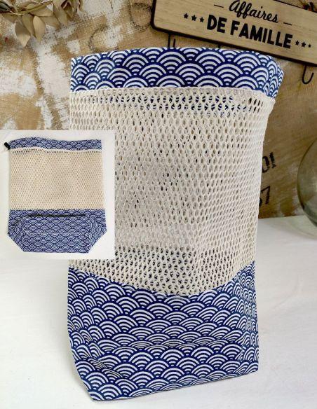 Sac de courses filet motifs écailles blanches fond bleu marine pour courses de vrac lourd par l'échoppe de Nine