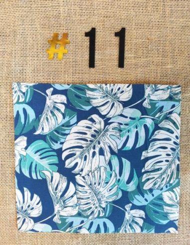 Tissu motifs ramages feuilles écrus & verts fond bleu pour Lingettes personnalisablespar l'échoppe de Nine