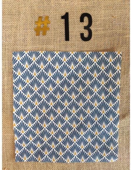 Tissu motifs graphiques blancs & bronze fond bleu pour Lingettes personnalisablespar l'échoppe de Nine