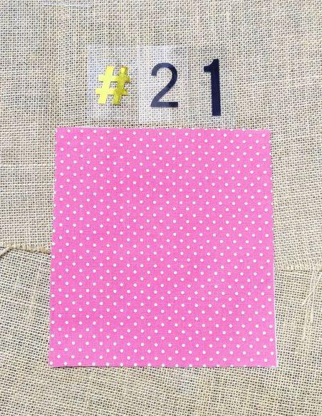 Tissu rétro petits pois blancs fond rose pour Lingettes personnalisablespar l'échoppe de Nine