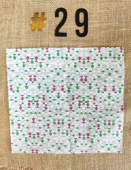 Tissu motifs graphiques verts & violets style poissons pour Lingettes personnalisablespar l'échoppe de Nine